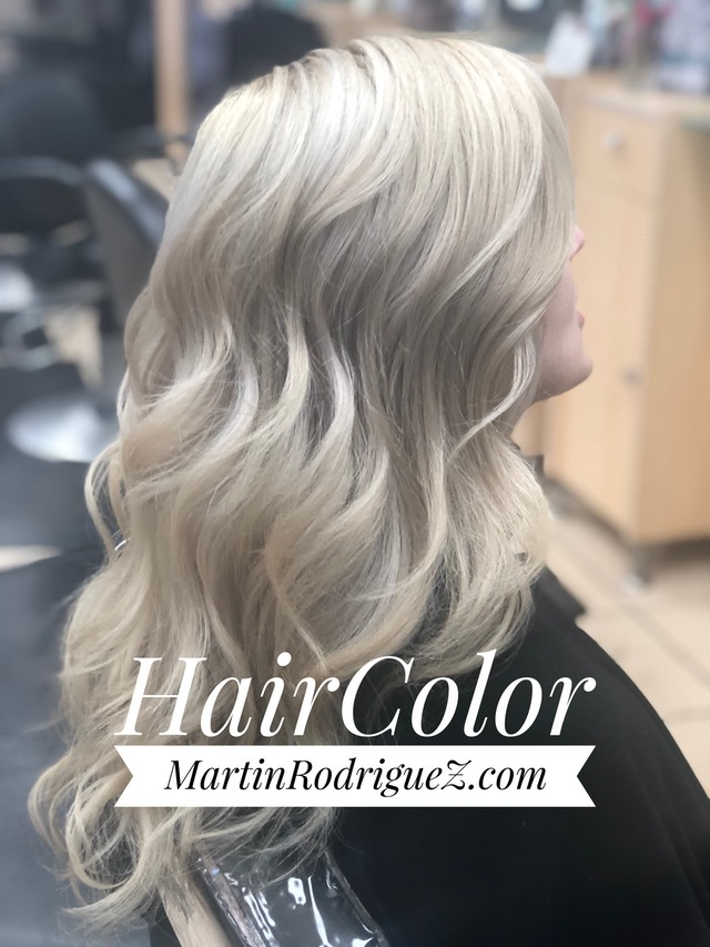 Icy cream silver blond hair color on curly hair 2018